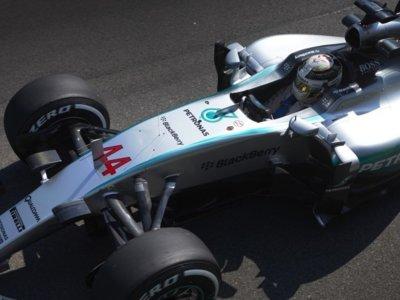 Mercedes estrena un motor evolucionado en Monza