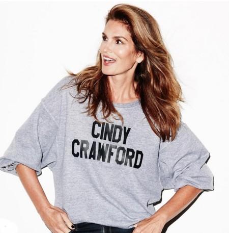 Con o sin maquillaje, Cindy Crawford sigue siendo impresionante