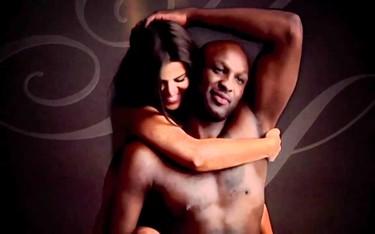Otros con perfume, Lamar Odom y Khloe Kardashian... y lo anuncian en pelotillas