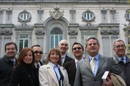 No existe el secreto profesional en los abogados de empresa