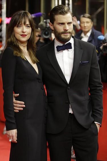 ¡Dakota Johnson y Jamie Dornan revolucionan la Berlinale en la premiere de 50 Sombras de Grey!