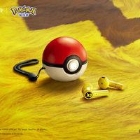 Los fans de Pikachu ya tienen nuevos auriculares como estos inalámbricos de Razer que se recargan en una Poké Ball