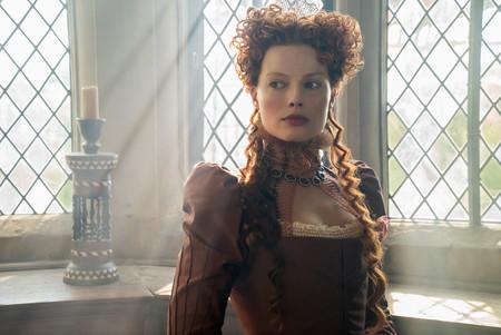 """Margot Robbie y Saoirse Ronan nos enseñan el impresionante vestuario de su película """"María, Reina de Escocia"""""""