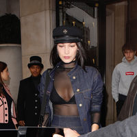 Bella Hadid va practicando su lado más sexy para el próximo desfile de Victoria's Secret con este modelito vaquero
