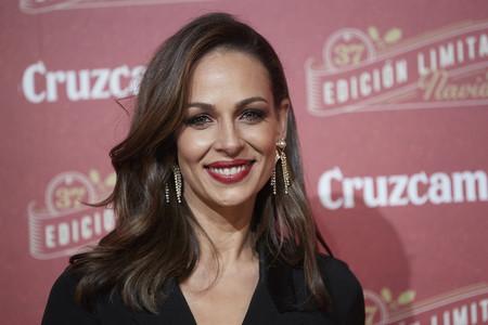 Eva González luce el look más sofisticado con unos sencillos pantalones de Zara