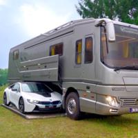Se llama Volkner Mobil Performance S y es la caravana que por 1,5 millones de dólares te permite llevar el coche dentro