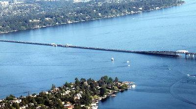 Este es el puente flotante más largo jamás construido y tardarás casi una hora en recorrerlo