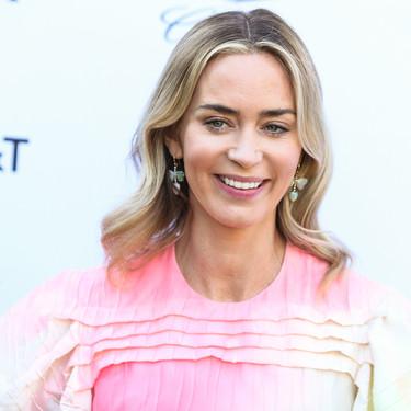 ¿Lo ves rosa o verde? El vestido de Emily Blunt promete convertirse en el próximo reto viral