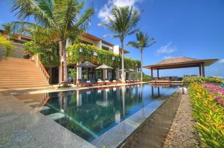 Una espectacular villa en Phuket, tradición y diseño a orillas del Mar de Andaman