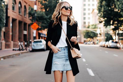 Cinco maneras de combinar una minifalda vaquera este verano