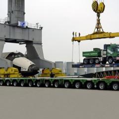 camion-mercedes-actros-arrastrando-al-transbordador-espacial-buran