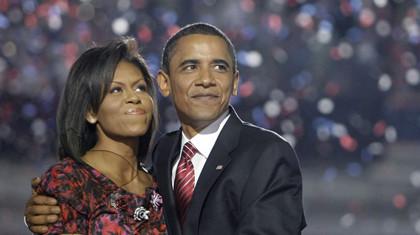 Obama y esposa