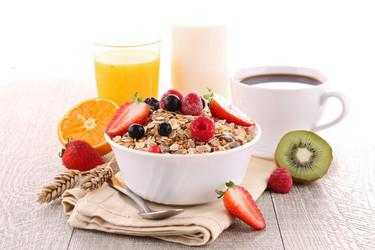 Los alimentos de mejor calidad y los que debes evitar en tu desayuno si quieres perder peso