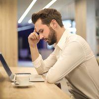 Si padeces migrañas, podrías beneficiarte de reducir el consumo de cafeína