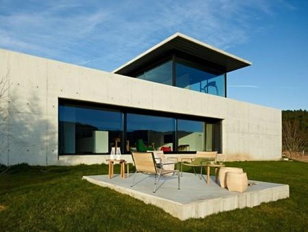 Puertas abiertas: una moderna casa de ensueño sobre el río Miño