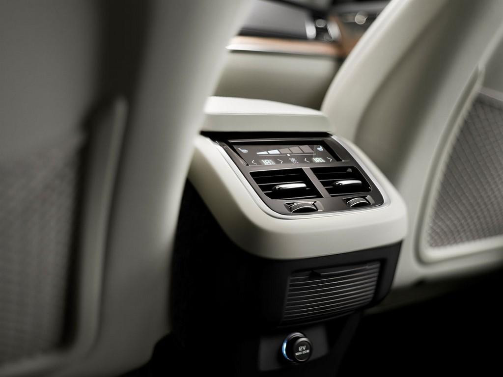 Foto de Volvo XC90, interior (33/39)