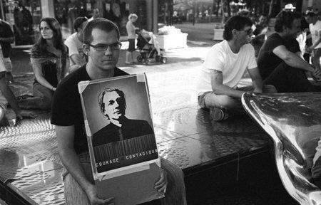 Se habla de Assange, The Guardian, Spielberg y las fuentes sin protección (menos de la ejecución de niños)