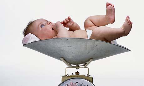 Resultado de imagen de bebes que nacen con mucho peso