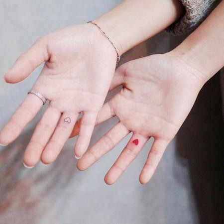 ¿Pensando en hacerte un tatuaje? Prepárate para San Valentín con estos delicados corazones