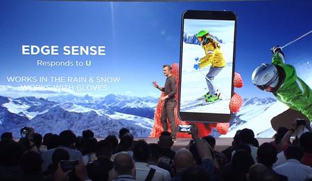 Así será HTC en 2018: cinco o seis teléfonos y regreso al mundo de las cámaras duales