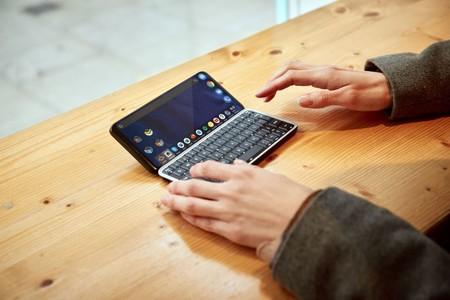Este smartphone cuenta con 5G y un atractivo diseño deslizable que oculta un teclado mecánico completo con retroiluminación