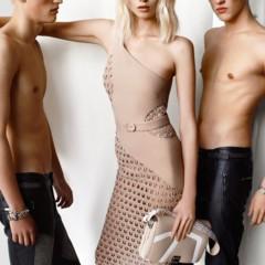 Foto 2 de 5 de la galería versace-y-su-campana-para-la-primavera-verano-2011 en Trendencias Hombre