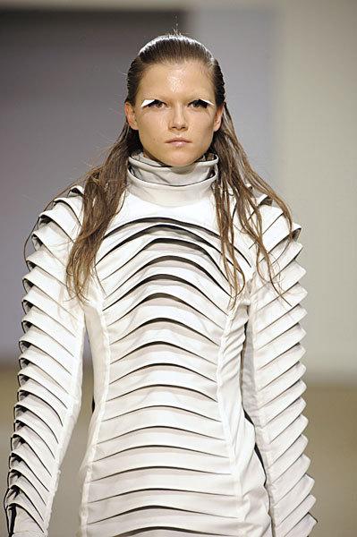 Foto de Gareth Pugh en la Semana de la Moda de París Primavera-Verano 2009 (15/28)