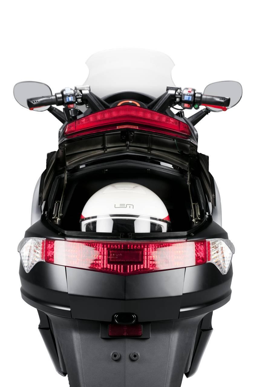 Foto de LEMev Stream, características del scooter eléctrico español (4/9)