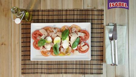 Ensalada de mozzarella y atún Isabel [videoreceta]