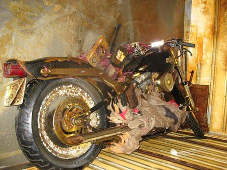 Una Harley-Davidson llega a Canadá arrastrada por el tsunami de Japón