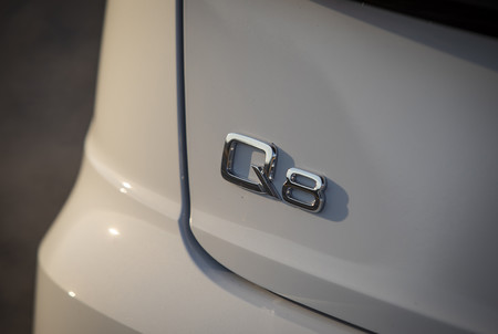 Audi Q8 13