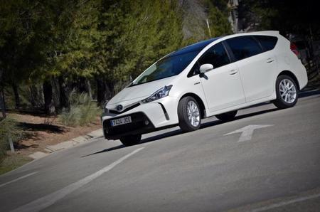 Toyota Prius+ 044