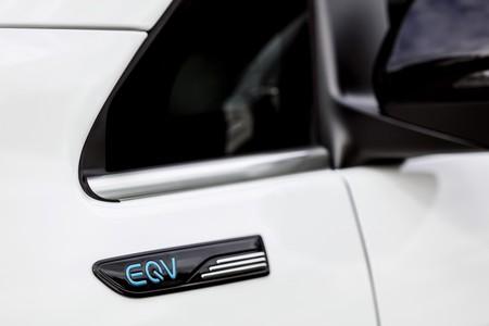 Mercedes Eqv 5