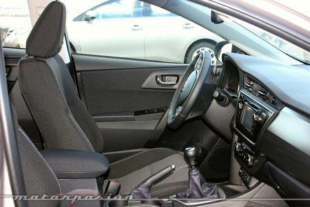 Interior del Toyota Auris 2013