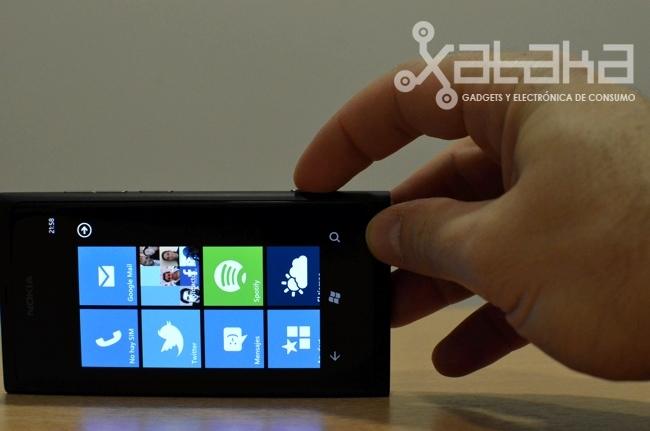 Foto de Nokia Lumia 800 prueba hardware (12/15)