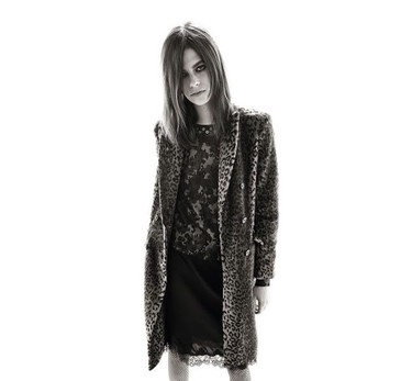 Carine Roitfeld se pasa al diseño de moda con una colaboración con Uniqlo