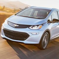 Dos Chevrolet Bolt eléctricos se incendian: GM pide a los propietarios no dejar cargándolos toda la noche y estacionarlos fuera de la casa