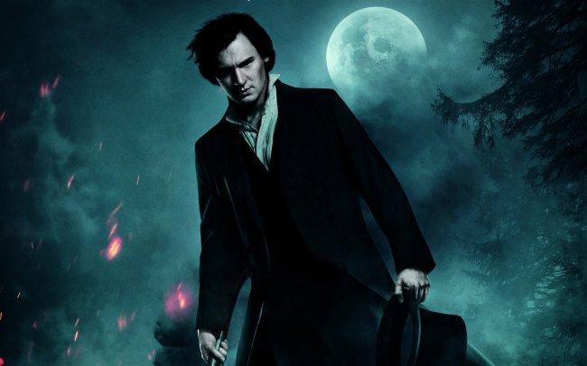 Imagen con el cartel de la película 'Abraham Lincoln: Cazador de Vampiros'