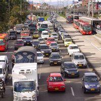 Colombianos tendrían que comprar un nuevo seguro para sus carros y motos