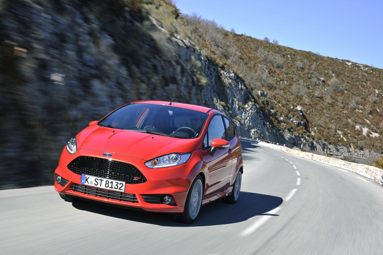 Foto de Ford Fiesta ST 2013 en Francia (30/50)