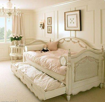 Un sofá-cama para niñas de inspiración Versailles