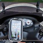 ¿Cómo puedo llevar el móvil en la moto? Estos son todos los tipos de soportes para smartphone