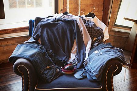 Fuera del trabajo ¿eres de camisa, polos o camiseta?: La pregunta de la semana