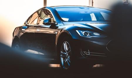 El coche eléctrico es una revolución con cierta nostalgia: ha heredado elementos de los coches de combustión que no necesita para funcionar