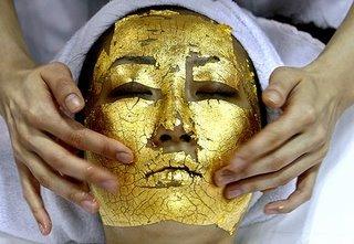 Mascarilla facial de 24 quilates: rejuvenece con oro
