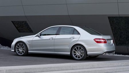 Mercedes-Benz E 63 AMG Biturbo