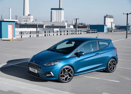 Ahorradores, pero... ¿los motores de tres cilindros tienen sentido en un deportivo, como en el Fiesta ST?
