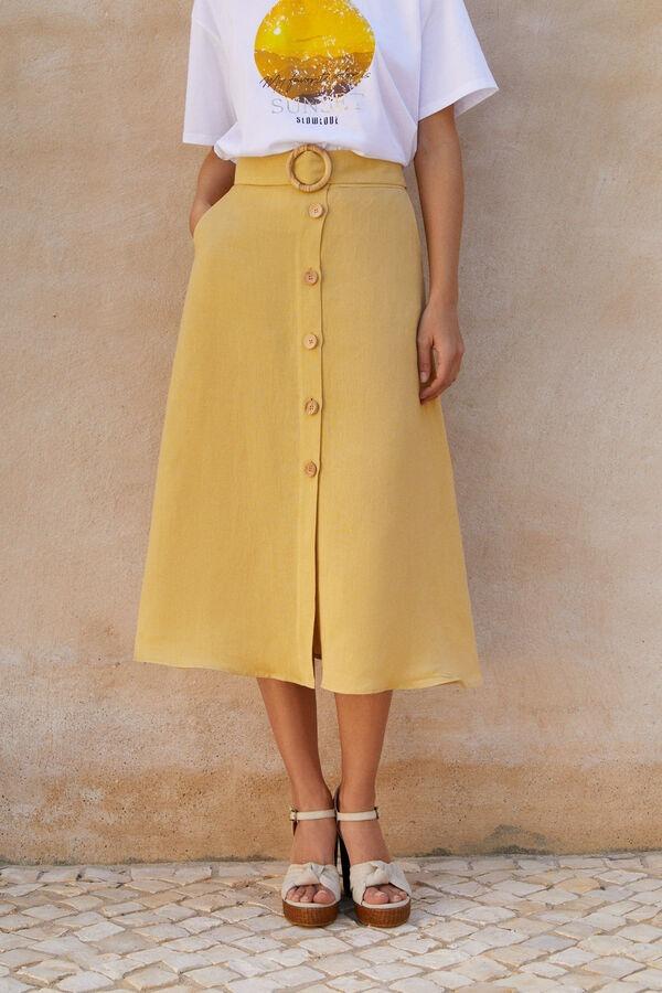 Falda midi color mostaza