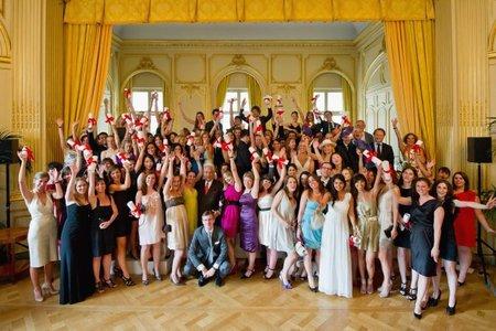 Los 92 diplomados de la 20ª promoción del MBA 'Institut Supérieur de Markéting du Luxe'