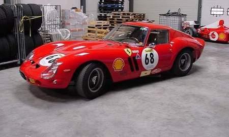 Un coleccionista compra un lote de 21 Ferraris